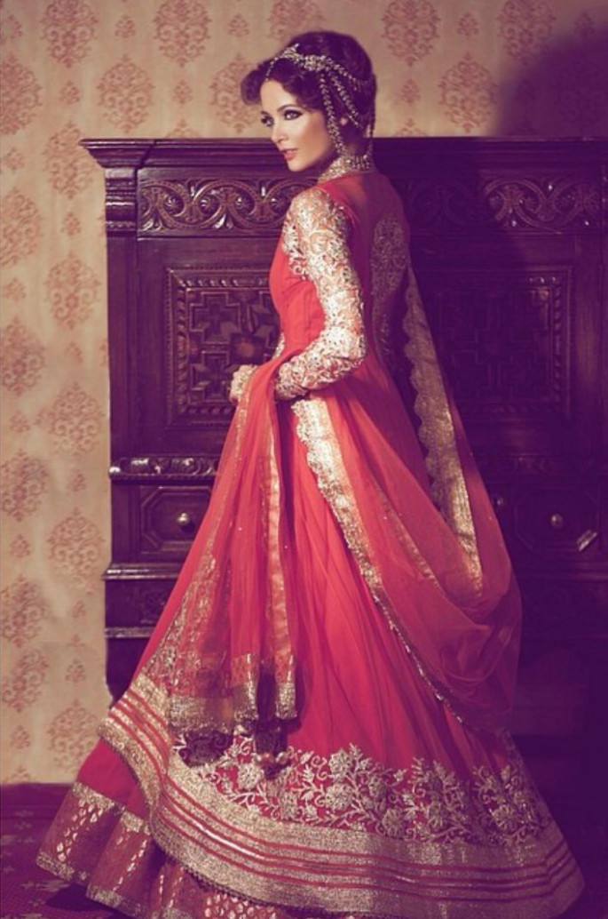 10 Beautiful Indian brides in their gorgeous bridal lehengas