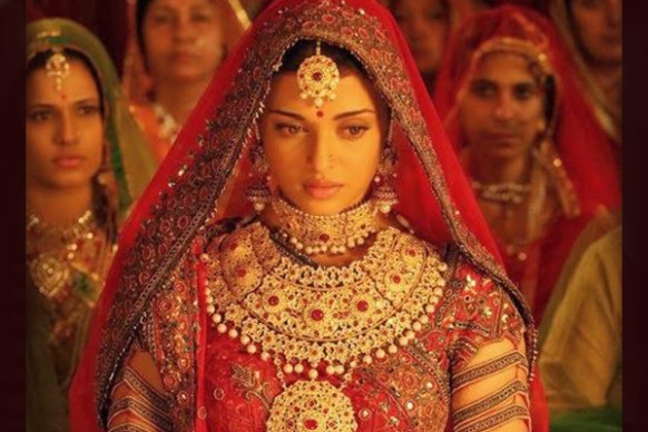 10 Stereotypes About Married Indian Women That Bollywood ...