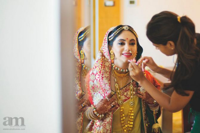 10 Types Of Photos Every Indian Bride Must Have In Her ...