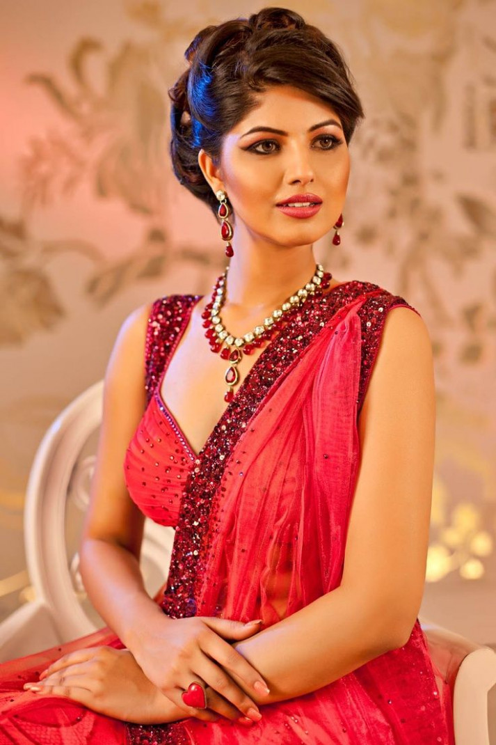 1000+ ideas about Indian Wedding Hairstyles on Pinterest ...