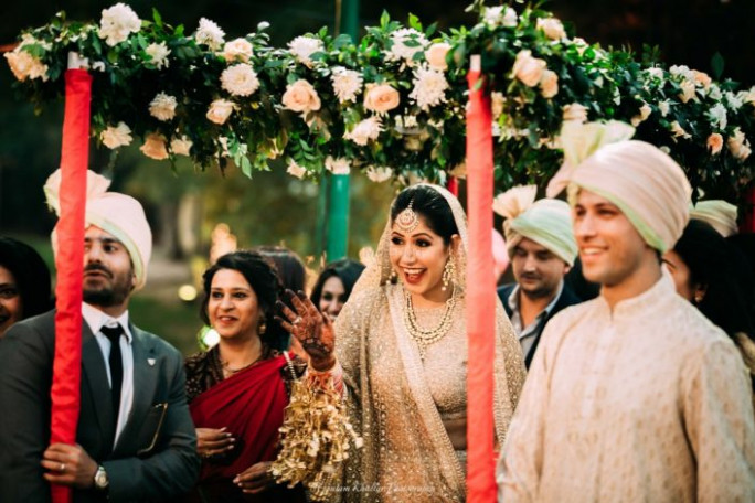 12 Best Indian Bridal Entry Songs For Your Wedding | WedMeGood