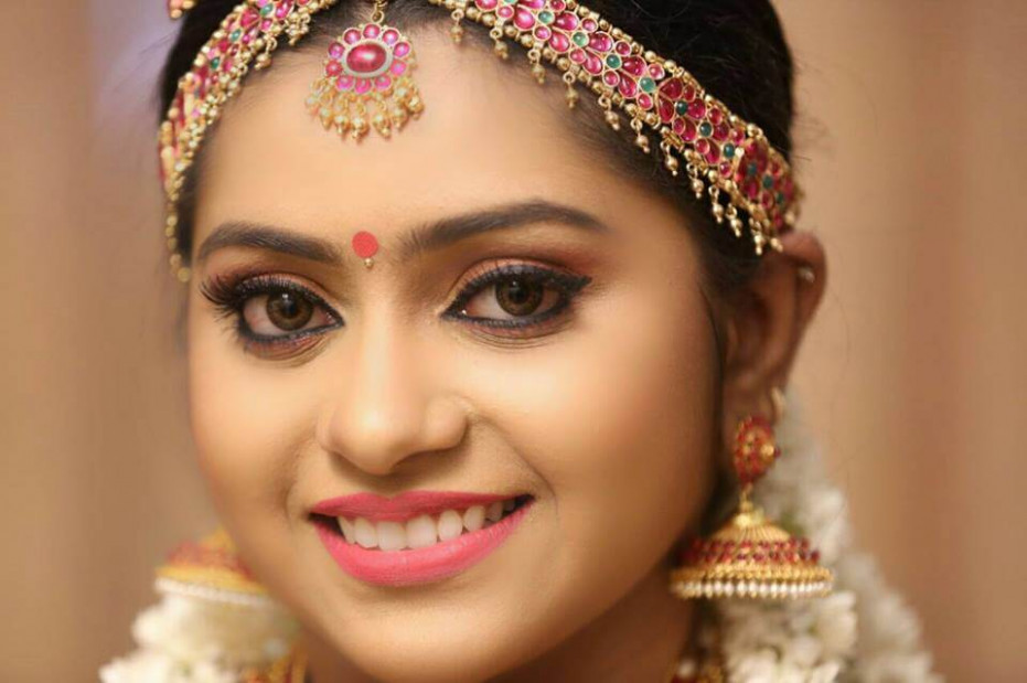 12 Best Indian Bridal Makeup Artists You Should Hire To ...