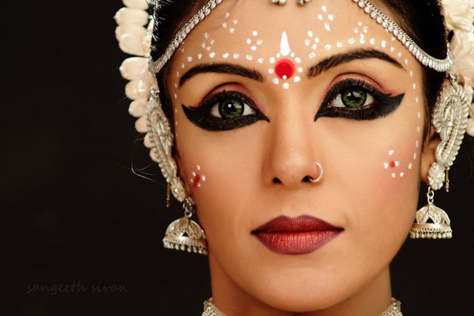17 Best images about Bollywood dance makeup and hair on ...