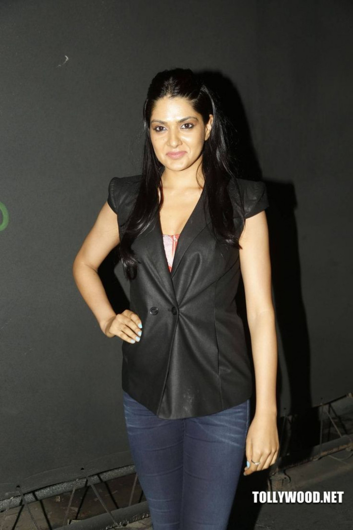 17 Best images about Sakshi Chowdary on Pinterest ...