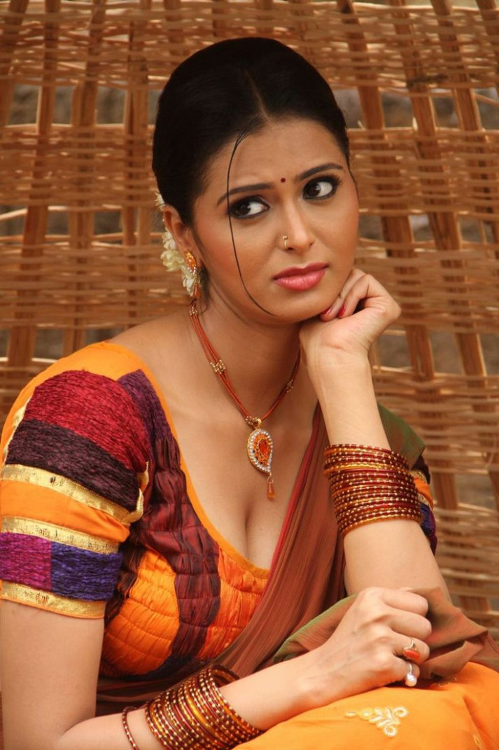 17  images about Meenakshi Dixit on Pinterest | Actresses ...