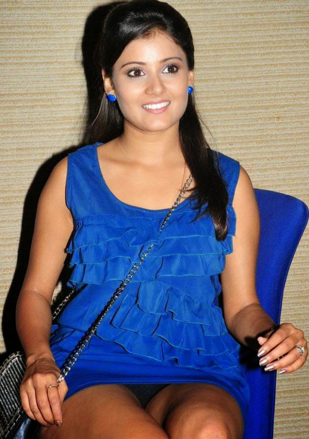 43 South Indian Actress Wardrobe Malfunction Photos ...
