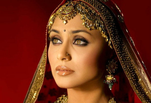 5 Top Tips Bollywood Makeup Artists Swear By | Indian ...