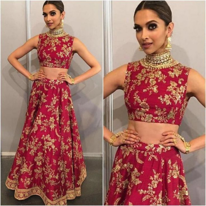 504 best Lehngas images on Pinterest | Indian clothes ...