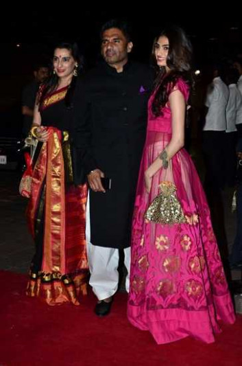 55 Bollywood Stars Wedding Pictures You Can't Miss - Vogue ...