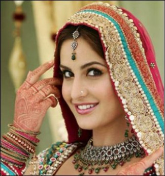 9 Best Bollywood Bridal MakeUp Looks | Styles At Life - bollywood bride pics