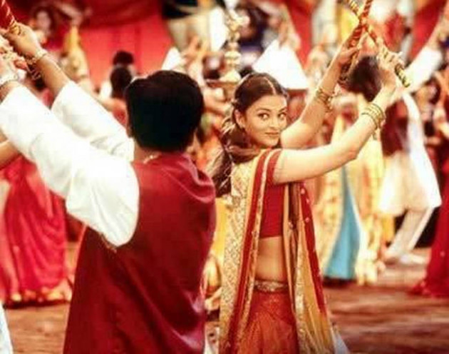 9 Navratri Songs from Bollywood Films - Indiatimes.com