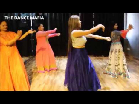 Aaja Nachle | Madhuri Dixit | Bollywood dance easy steps ...