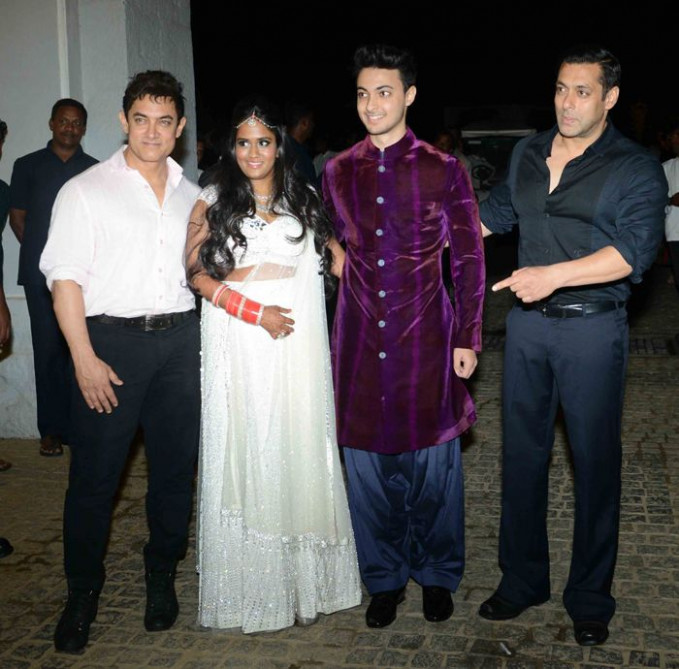 Aamir Khan at Salman Sister Arpita Marriage | Bollywood ...