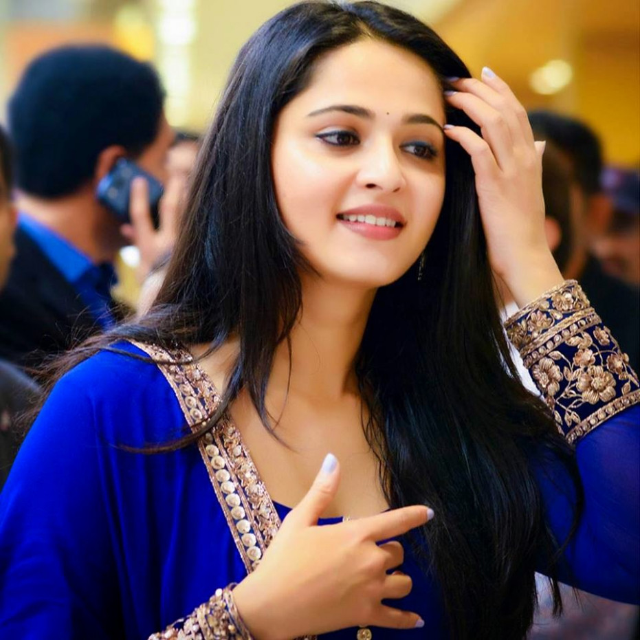 Actress HD Gallery: Anushka shetty Beautiful HD pics from ...