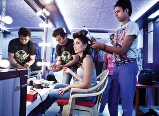 Actress in Makeup Room Photos, 478652 - Filmibeat Gallery