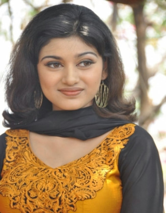 Actress oviya helen entry in tollywood movies