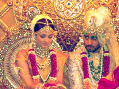Aishwarya Abhishek wedding ceremony pictures | PINKVILLA