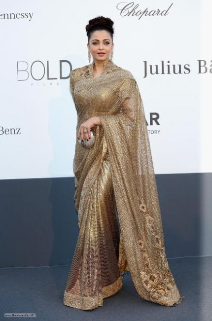 Aishwarya Rai in Golden saree