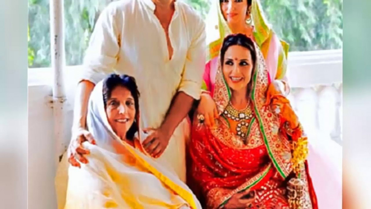 Akshay Kumar Sister Alka Bhatia Marriage Facts ...