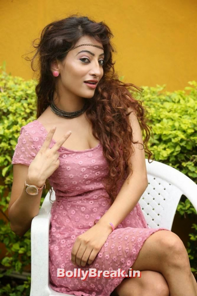 Alanki Hot Photo Gallery - Tollywood Actress - 7 Pics