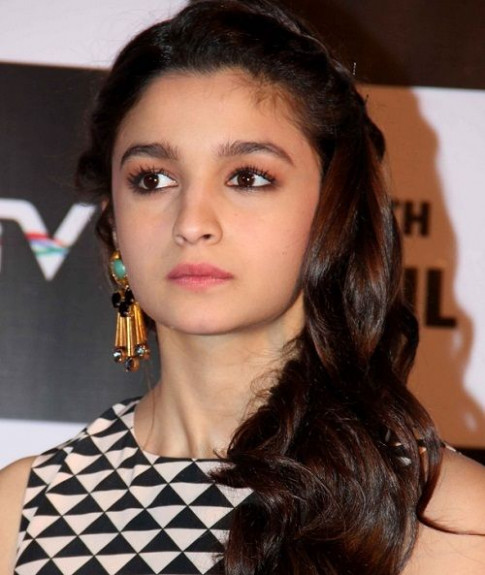 Alia Bhatt Makeup Look Breakdown | makeup | Pinterest ...