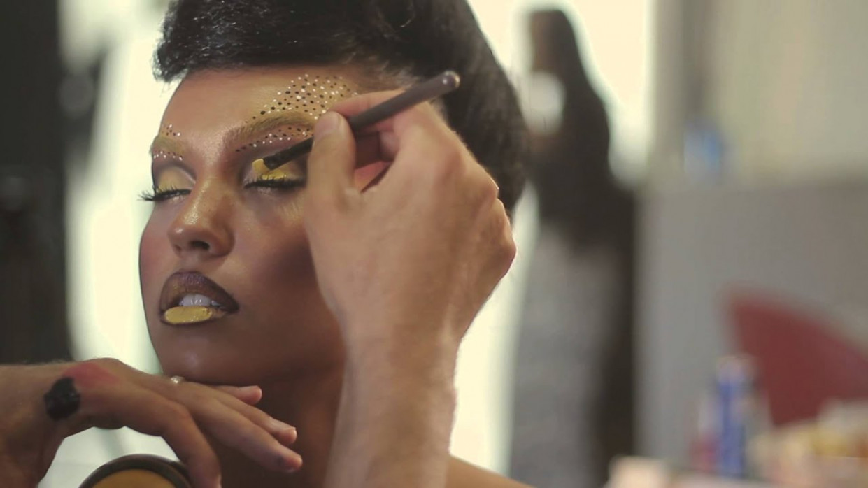 All About Yellow - Behind the scenes - by the makeup ...