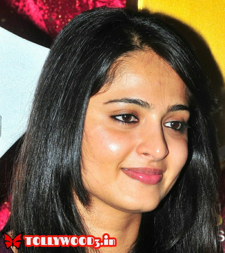 Anushka Shetty Biography, Wiki, Height, Weight, Age, Body ...