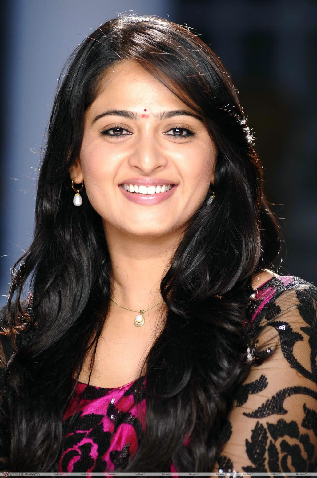 Anushka Shetty Cute High Resolution(HD) Quality 1200*1600 ...