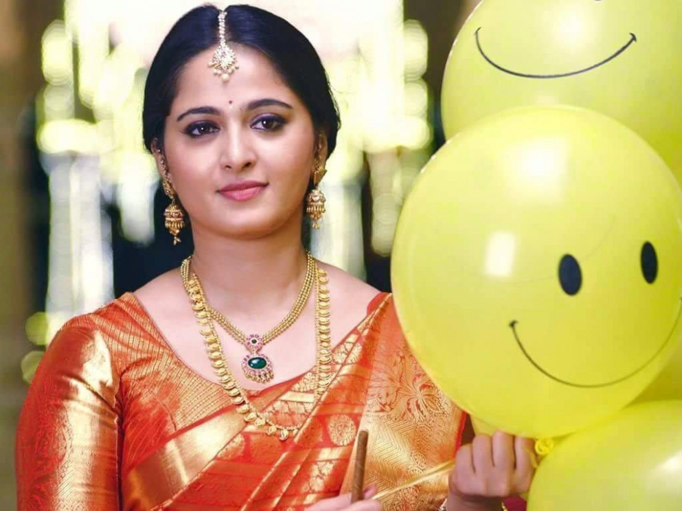 Anushka Shetty HQ Wallpapers | Anushka Shetty Wallpapers ...