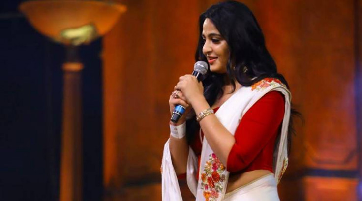 Anushka Shetty video songs: Tamil and Telugu songs of the ...