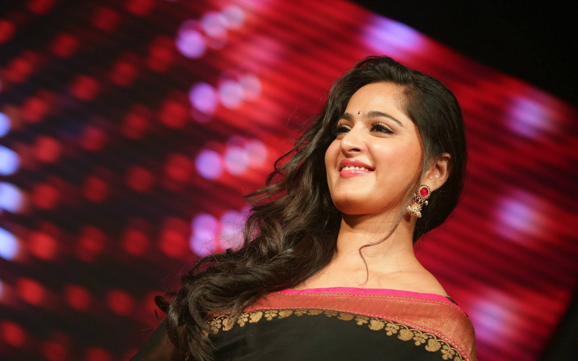 anushka tollywood girl wallpapers - DriverLayer Search Engine - tollywood girl hd wallpaper