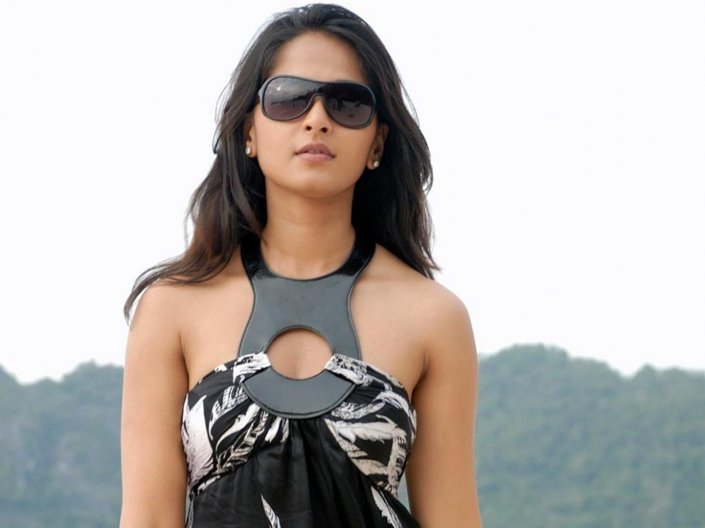 Anushka Tollywood Girl Wallpapers | HD Wallpapers | ID #3434