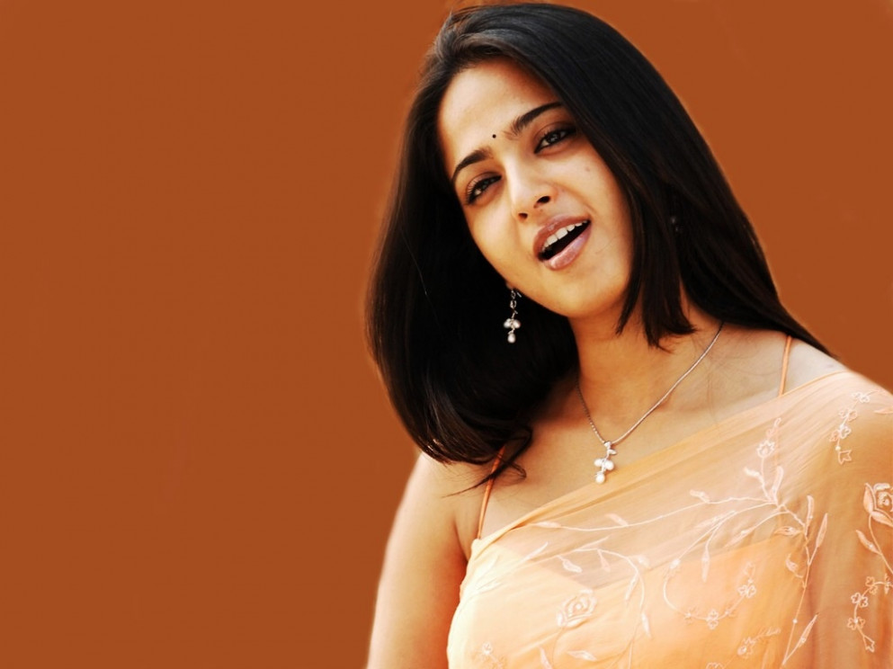 Anushka Tollywood Wallpapers in jpg format for free download