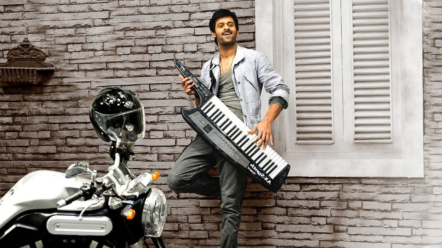 Awesome actor Prabhas in movie khatarnak khiladi hd ...