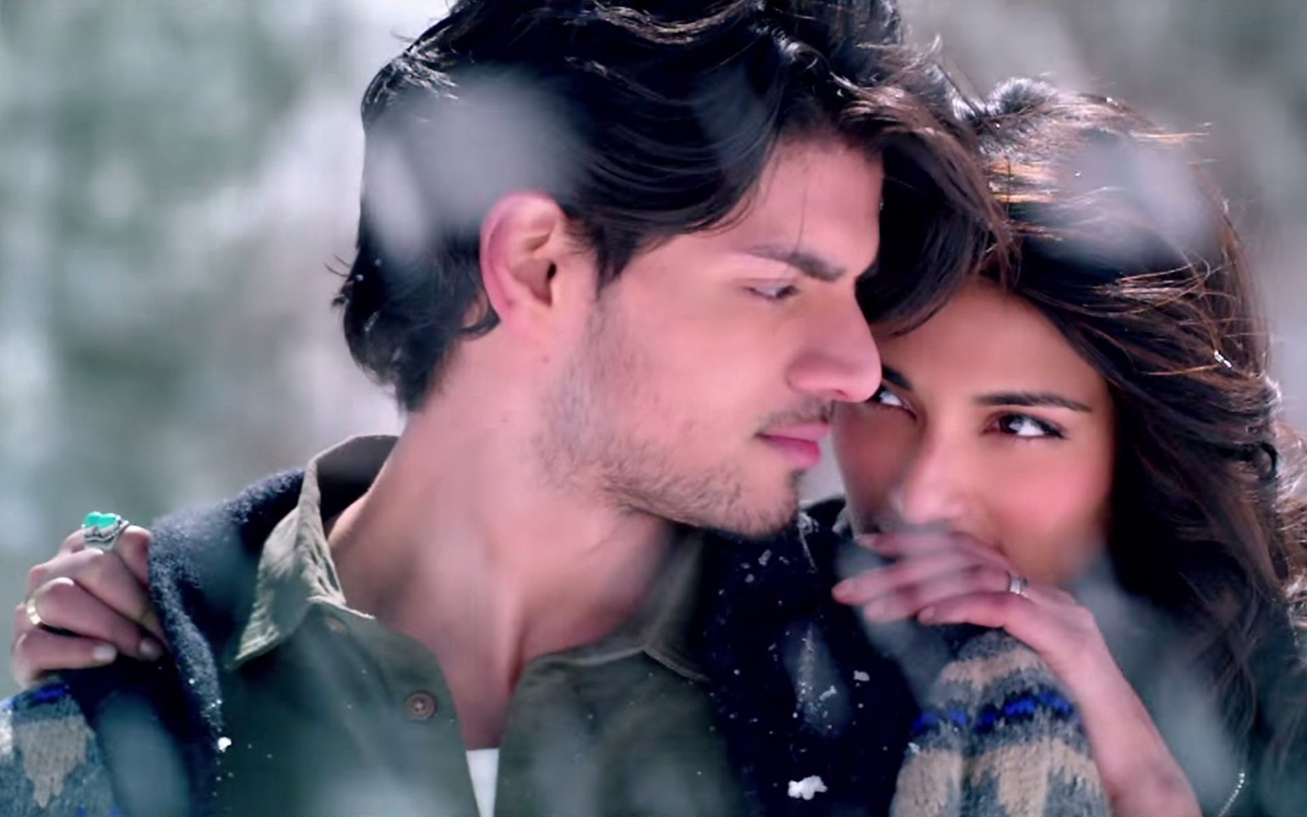 Beautiful Bollywood Couple Sooraj Pancholi And Athiya ...