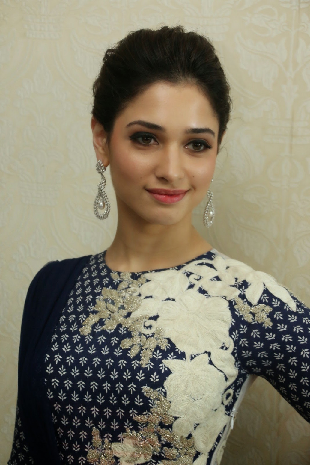 Beautiful Tollywood Actress Tamannaah Smiling Face Closeup ...