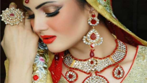 best makeup artist in bollywood