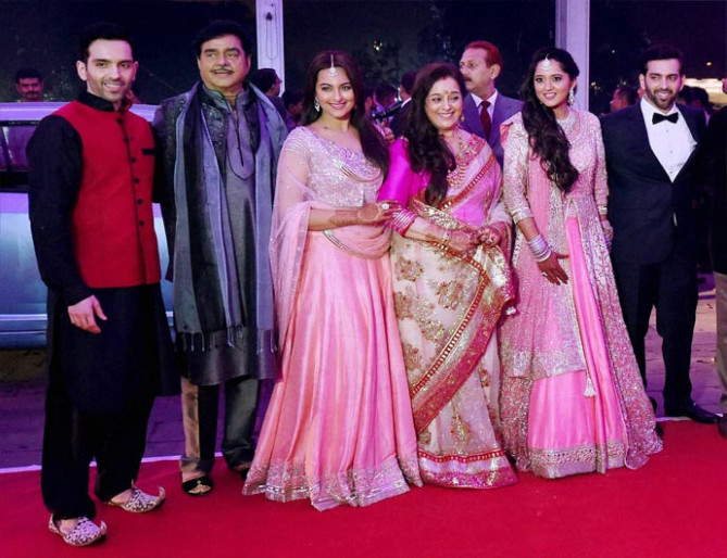 Bollywood actors attend wedding reception of Shatrughan ...