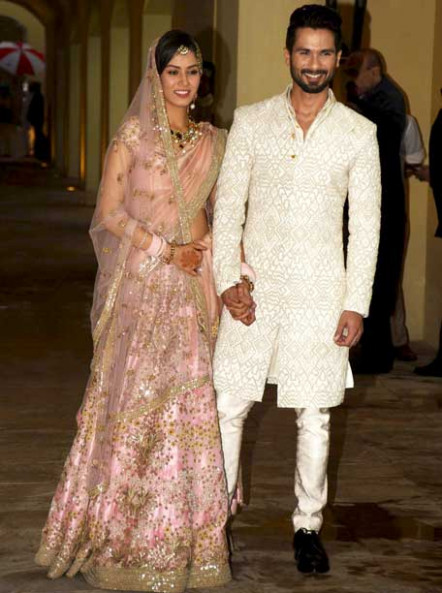 Bollywood Actress Saree Collections: Shahid Kapoor wore ...