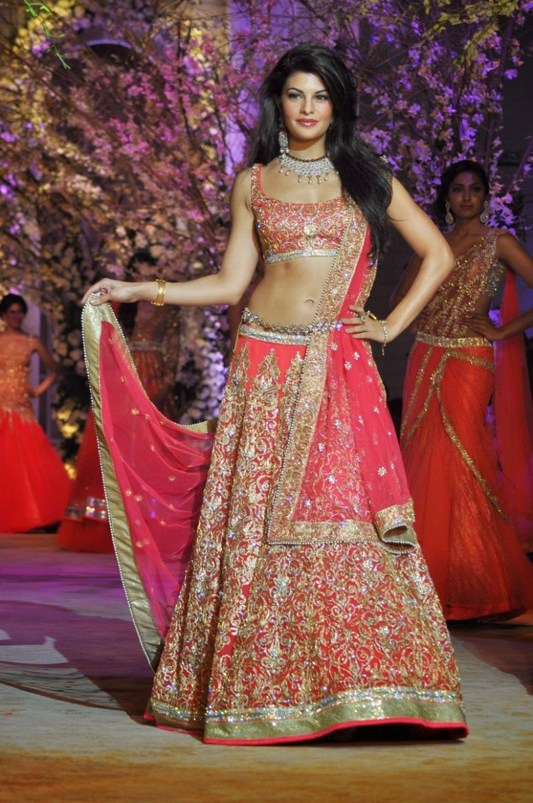 BOLLYWOOD ACTRESSES IN BRIDAL DRESS HD WALLPAPERS & IMAGES ...