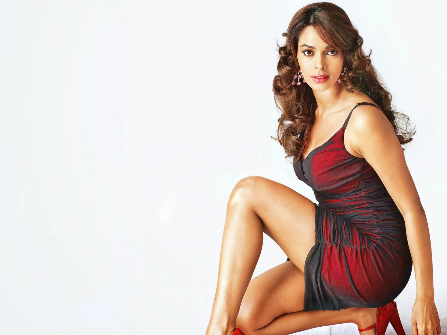 Bollywood Babe Mallika Sherawats Hot Photo Gallery and ...