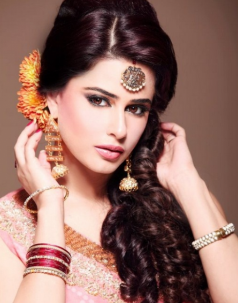 Bollywood bride hairstyles picture.PNG