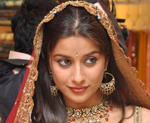 Bollywood Brides - Actresses In Bridal Dress - XciteFun