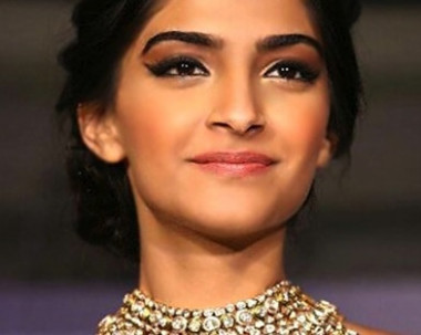 Bollywood Celebrity Makeup Tips - Mugeek Vidalondon