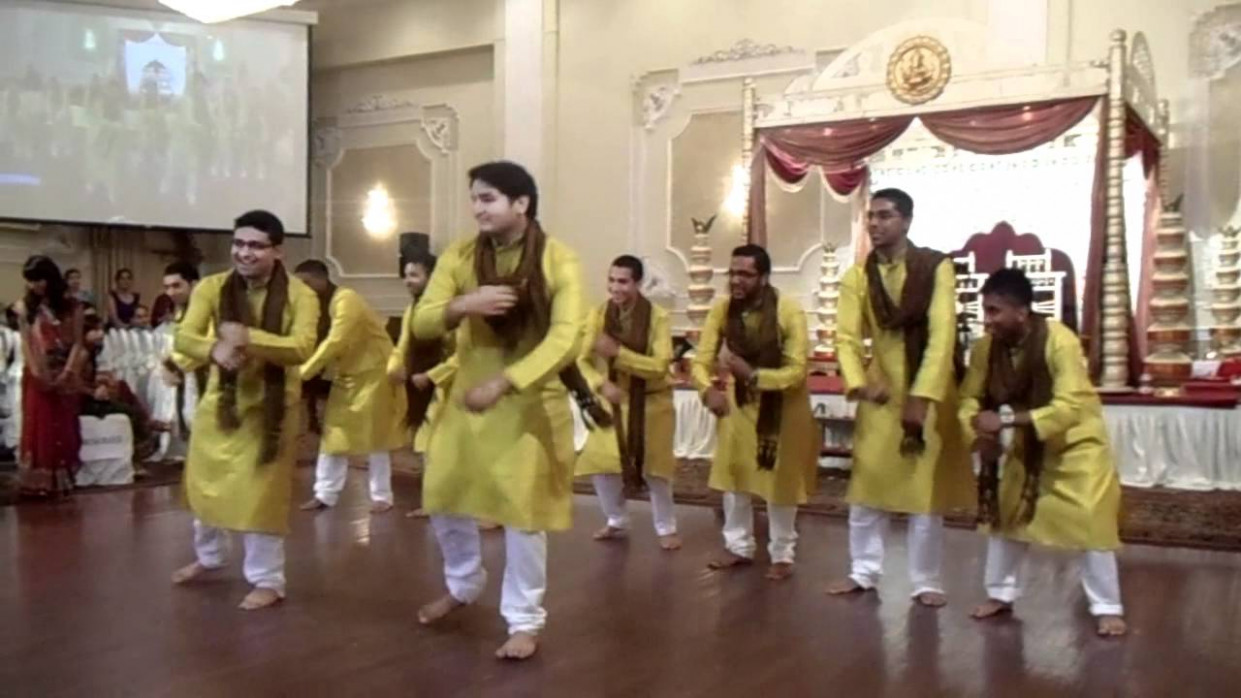 Bollywood Dance | Wedding Song Medley - YouTube