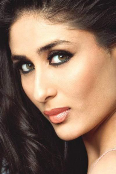 Bollywood Diva's Smoky Eye Makeup Looks