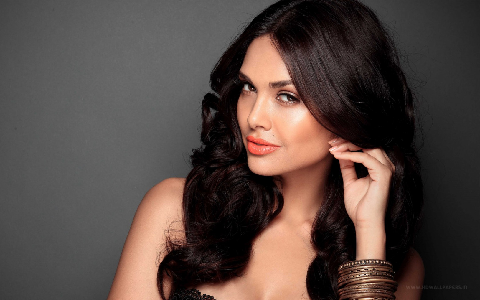 Bollywood Heroine Esha Gupta Wallpapers | HD Wallpapers ...