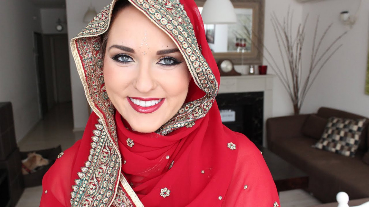 Bollywood Inspired Makeup Tutorial - YouTube