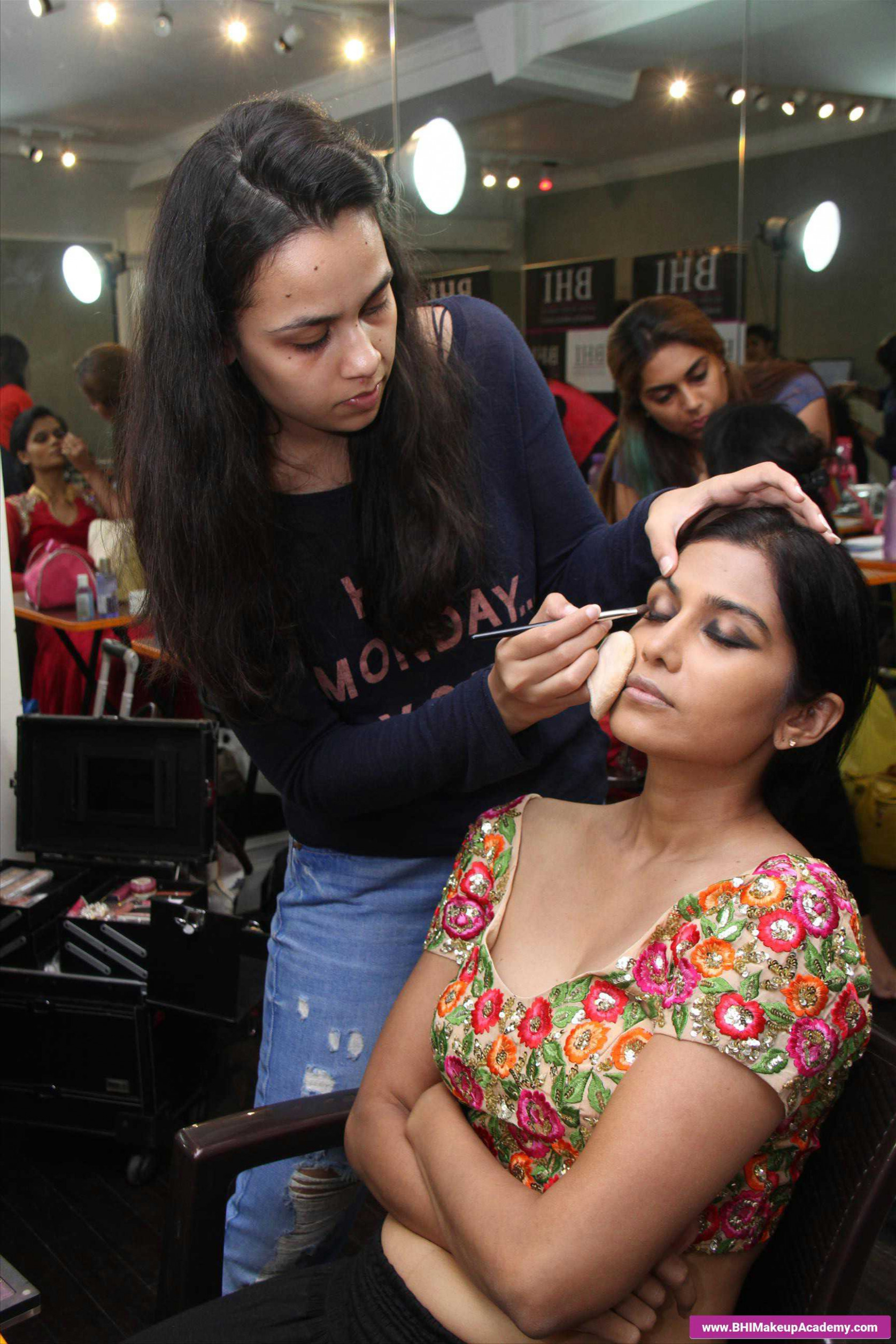 bollywood makeup artist name list top beauty academy in ...