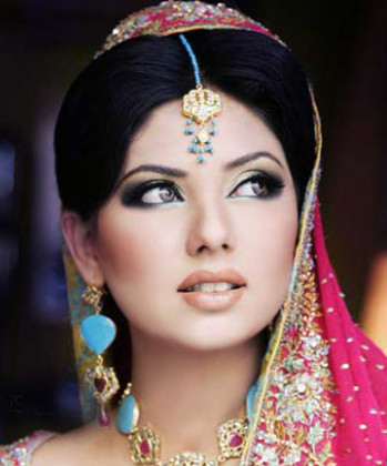 Bollywood Makeup - Mugeek Vidalondon - how to do bollywood makeup